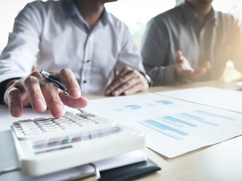 Calculating customer acquisition cost (CAC)